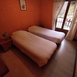 Chambre option deux lits simples.