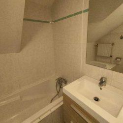 Salle de bain, baignoire , meuble vasque