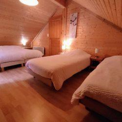 Chambre n°3 un lit double , deux lits simples.(ou quatre lits simples).